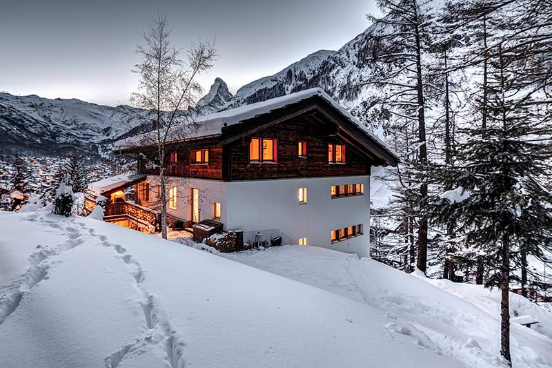 Chalet A la Casa - the house and the view